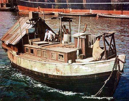 Gulleys houseboat